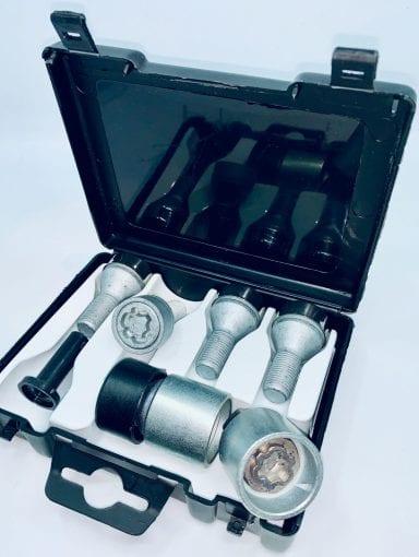 Śruby zabezpieczające koła stalowe, aluminiowe - Fiat- ORYGINAŁ