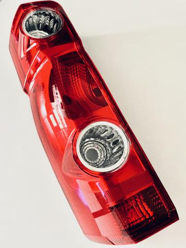 Lampa tylna Volkswagen Crafter po 2005 furgon 9572870E